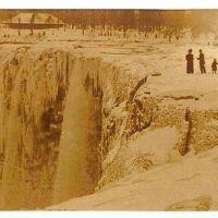 Frozen Niagara, Staircases of Piano Strings
